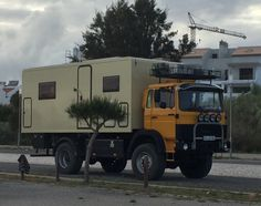 Serious expedition camper Cool Toys, Recreational Vehicles, Camper, Trucks, Cool Stuff, Caravan, Travel Trailers, Truck, Motorhome