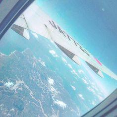 【a___smik.5】さんのInstagramをピンしています。 《・ ・ ・ 埼玉→福岡 ✈️💗旅行 離陸するまで騒いでるのうちらだけでした(笑) ・ やっぱり眺めは最高に綺麗 🌏🌎🌍 上から見ると車とかビルとか ごちゃごちゃしてて 空飛んで移動したくなった😝 ・ ・ ・ #羽田空港 #福岡空港 #飛行機 #2泊3日 #女子旅 #空 #ソラ #雲 #海 #雲の上 #飛行機からの景色 #絶景 #sky #blue #airplane #sea #japan #like #instapic #instagood》