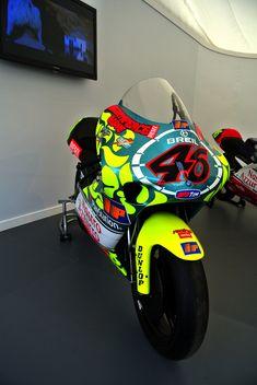 Cafe Racing, Racing Team, Grand Prix, Valentino Rossi 46, Biker Boys, Drag Bike, Vr46, Racing Motorcycles, Sportbikes