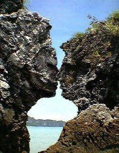 visage dans la roche