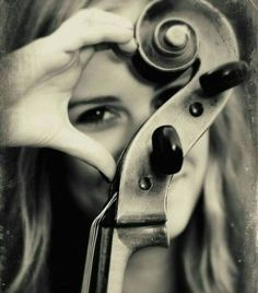 Music Instruments Photography Orchestra Senior Pictures 60 New Ideas Cello Photography, Senior Photography, Cello Noten, Cello Music, Music Lyrics, Music Humor, Foto Art, Music Photo, Senior Photos