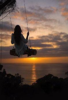 Secret swings above Scripps Pier in La Jolla, California (near San Diego) San Diego Vacation, San Diego Travel, Skier, California Dreamin', Belle Photo, Places To See, Sunsets, Ocean, Adventure