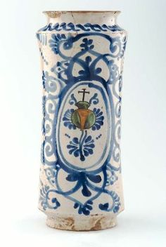 A Mexican apothecary jar, c.1700-50, with the symbol of the Hospitaller Order of Saint John of God. (Museum of Fine Arts, Boston)
