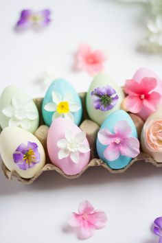 These might be the prettiest Easter eggs I've ever seen!