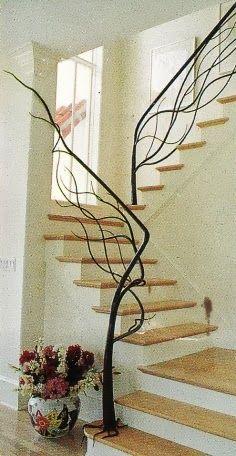 Bonita y original barandilla para unas escaleras! La originalidad no tiene precio.... #ideascasa #ideasoriginales #decoracion
