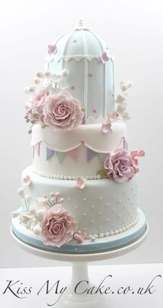 Certainly, everyone will need Elegant Cake design to decorate their Cake. If you would, you may check 3 Varieties Of Unique Wedding Cakes With Cute and Adorable Model Design to help you find out Elegant Cake based on your favorite. Birdcage Wedding Cake, Unique Wedding Cakes, Beautiful Wedding Cakes, Gorgeous Cakes, Pretty Cakes, Cute Cakes, Amazing Cakes, Cake Wedding, Fondant Cakes