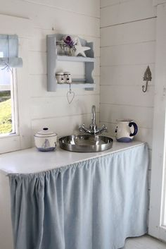 Sweet and simple (inexpensive to duplicate). Store play items for kitchen behind skirt. Girls Playhouse, Build A Playhouse, Modern Playhouse, Playhouse Ideas, Cubby Houses, Play Houses, Tree Houses, Little Girls Playroom, Kids Room