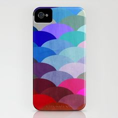 We can't seem to get enough of these scaled iPhone case- the gradient of hues is simply beautiful!