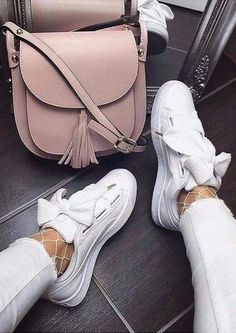 Cute basket puma sneakers to liven up your outfits.