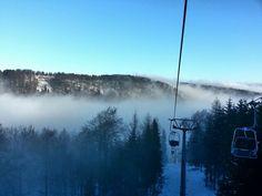 Chairlift ready.   #skiliftetelnice #telnice #skiclubtelnice #seilbahntechnik #sessellift #chairway #lanova #skiarea #skiefield #fivestars