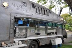 Tips for Starting a Food Truck Here's what you need to know about building a restaurant on wheels.Here's what you need to know about building a restaurant on wheels. Food Truck Business, Business Ideas, Bakery Business, Mobile Cafe, Mobile Shop, Starting A Food Truck, Catering Van, Mobile Food Trucks, Food Vans