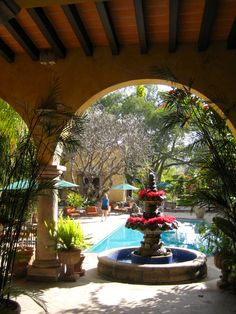 Spanish style homes – Mediterranean Home Decor Spanish Design, Spanish Style Homes, Spanish Revival, Spanish House, Spanish Colonial, Mexican Patio, Mexican Garden, Mexican Hacienda, Style Hacienda