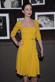 LOVE the mustard yellow and red combo on emily blunt (aka mrs. john krasinski).