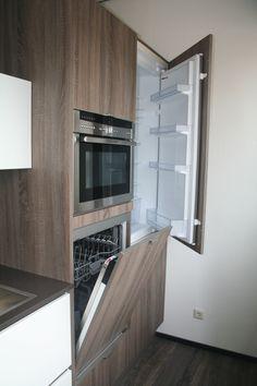 Hoge kasten wand keuken met vaatwasser op werkhoogte, Systemat AV 1095