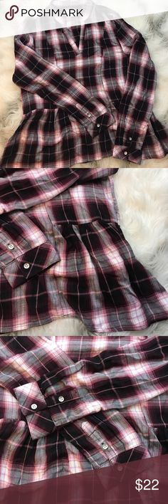 [Harper by Francesca's] plaid tunic Harper plaid maroon and pink tunic with V-neck, peplum style bottom detail. Super soft 100% rayon in like new condition Francesca's Collections Tops Blouses