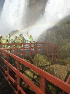 Niagara Falls - Cave of the winds / Touching a Rainbow!