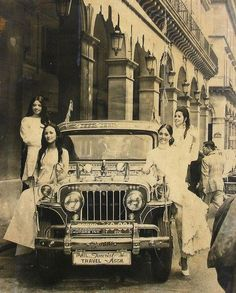 Manila -London Express 1971. Lotis Key endorssed Sarao Jeepney in London to promote The Philippine Tourisn Industry.