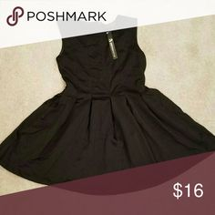 💥Pleated Dress Western Style Sleeveless, Scoop  Neck, Back Zip, Pleated Dress.  No tag to identify the fabric, but it feels like a polyester. Western Style Dresses Midi
