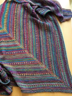 LaLa's Simple Shawl by Laura Linneman {free on Ravelry}