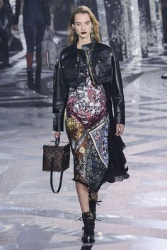 All the Looks From the Louis Vuitton Fall 2016 Ready-to-Wear Show