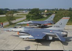 A pair of Vipers from 315 Sqn - Photo taken at Saint-Dizier - Robinson (LFSI) in France on May Great Photos, View Photos, Royal Dutch, F 16 Falcon, Air Planes, Helicopters, Military Aircraft, Netherlands, Air Force