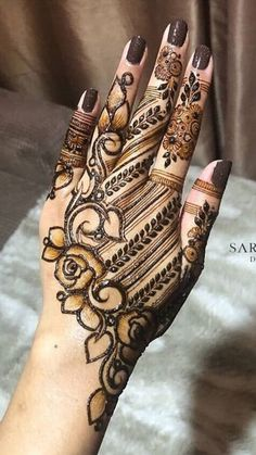 Want to get the best party mehndi designs? Check here and rock your next party with the amazingly prepared henna art on your hands. These Party Mehndi Designs will Rock your party by wearing these classic party wear mehndi designs for your hand. Henna Hand Designs, Mehndi Designs Finger, Rose Mehndi Designs, Indian Henna Designs, Legs Mehndi Design, Stylish Mehndi Designs, Mehndi Designs For Girls, Mehndi Designs For Beginners, Mehndi Design Pictures
