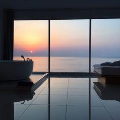 from life goals, house goals, room goals, landscape Aesthetic Rooms, Sky Aesthetic, Window View, Dream Rooms, Dream Bedroom, Night Bedroom, Pool Bedroom, Nature Bedroom, City Bedroom