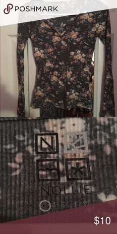 Nollie floral shirt Size XS. Long sleeve top. 100% cotton. Worn once or twice. In great condition! I am accepting offers PacSun Tops Tees - Long Sleeve