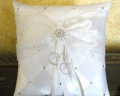 Anillo de boda portador almohada, blanco o por encargo a sus colores, con flores y Crystals de Swarovski