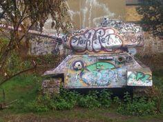 tank misplaced in South London. South London, Literature, Sea, History, Literatura, Historia, The Ocean, Ocean