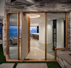 Clifftop home in Laguna Beach by Myca Loar
