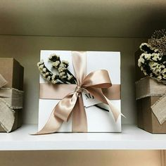 Gift Wrapping Bows, Gift Wraping, Creative Gift Wrapping, Christmas Gift Wrapping, Creative Gifts, Holiday Gifts, Christmas Gifts, Valentines Gift Box, Birthday Gifts For Best Friend