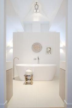 Bathroom Ulvenhout The Netherlands Design by Joost Tromp Baden Baden Interior Serene Bathroom, Beautiful Bathrooms, White Bathroom, Bathroom Interior, Modern Bathroom, Master Bathroom, Minimal Bathroom, Bad Inspiration, Bathroom Inspiration