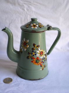 PETITE CAFETIERE EMAILLEE ANCIENNE