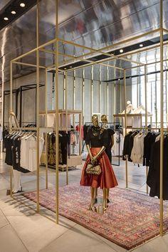 design - See inside new Harvey Nichols store at The Mailbox Boutique Interior Design, Boutique Decor, Showroom Design, Clothing Store Interior, Clothing Store Design, Modegeschäft Design, Design Shop, Design Ideas, Retail Interior Design