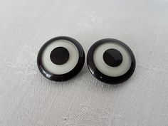 Plastic Earrings, Plastic Jewelry, Tea Lights, Candles, Black And White, Vintage, Collection, Black White, Blanco Y Negro