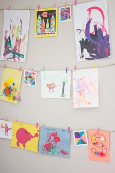 A quick & easy way to assemble an interchangeable art wall.