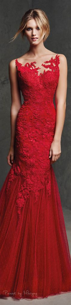 Red Dress ~ Classic Look ~ Pronovias Evening Dresses, Prom Dresses, Formal Dresses, Dress Prom, Ball Dresses, Long Dresses, Dress Long, Beautiful Gowns, Beautiful Outfits