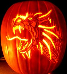 53 Genius Scary Pumpkin Decorating Ideas to Try This Halloween – Schnitzerei Scary Pumpkin Carving, Halloween Pumpkin Carving Stencils, Scary Halloween Pumpkins, Amazing Pumpkin Carving, Pumpkin Carving Patterns, Pumpkin Stencil, Pumpkin Art, Halloween Jack, Halloween Ideas