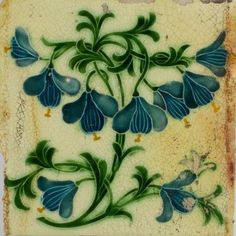 floral decorated tile (Silvia Patricia Balaguer)