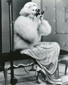 JEAN HARLOW the original Platinum Blonde & camera. (please follow minkshmink on pinterest)
