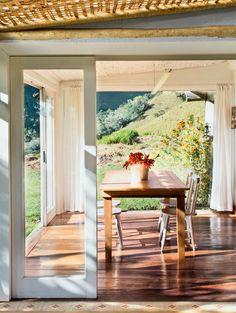 Casa com generosa varanda e com vista para a montanha - Casa