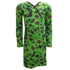 Wild kinderkleding jurk Clover groen - Kinderkleding online. Vol met klavertjes 4, als dat geen geluk brengt!