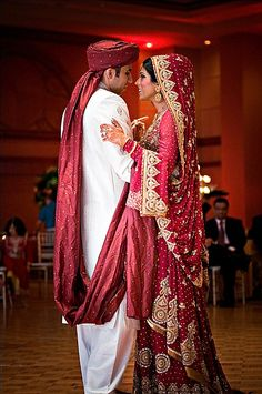 indian weddings, very colourful