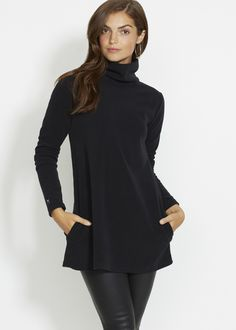 Cobble Hill Turtleneck (Black)