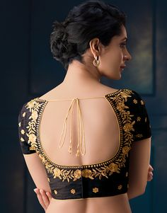 Fabulous Blouse Designs for different sarees New Saree Blouse Designs, Simple Blouse Designs, Stylish Blouse Design, Blouse Back Neck Designs, Bridal Blouse Designs, Blouse Styles, Traditional Blouse Designs, Traditional Sarees, Designer Blouse Patterns
