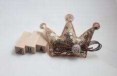 Children/Girls/Baby girl hair clip - Sparkly crown by JigulinsHA on Etsy