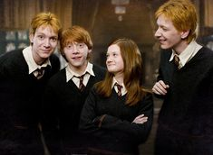 Find images and videos about harry potter, ron weasley and harrypotter on We Heart It - the app to get lost in what you love. Harry Potter World, Harry James Potter, Mundo Harry Potter, Harry Potter Cast, Harry Potter Characters, Harry Potter Memes, Harry Potter Ginny Weasley, Potter Facts, Ginny Weasly