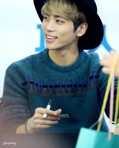 151122; Coex Book Fansigning Event That sweater is adorable and he looks great in it *^* #shinee #jjong #jonghyun