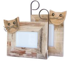 Crafts Country Cat Photo Frame by Centrodelmutamento on Etsy Cat Crafts, Animal Crafts, Picture On Wood, Picture Frames, Pallet Barn, Small Wood Projects, Crafts To Make And Sell, Wooden Crafts, Craft Sale